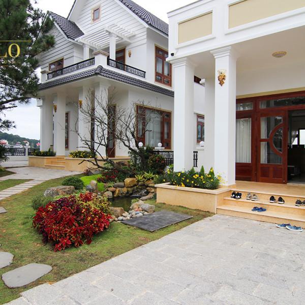 Phào chỉ nhựa Hàn Quốc trang trí khách sạn sinh đôi Đà Lạt.
